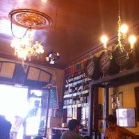 Foto tomada en Bar Bodega Quimet por Natalia F. el 7/27/2012