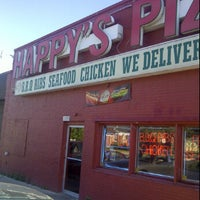 Photo taken at Happy's Pizza by Darin B. on 6/25/2012