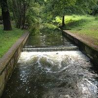 7/16/2012 tarihinde Sörenziyaretçi tarafından Schlosspark Niederschönhausen'de çekilen fotoğraf