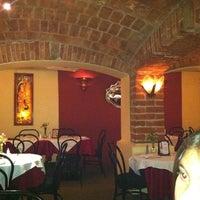Das Foto wurde bei Cluny von Eduardo R. am 2/19/2012 aufgenommen