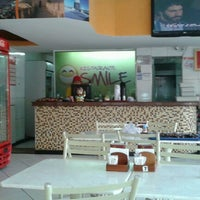 Photo taken at Restaurante Smile by Caio I. on 7/30/2012