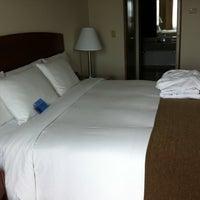 Foto tomada en Hilton Colón por Amie C. el 6/3/2012