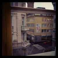 9/3/2012 tarihinde Mace O.ziyaretçi tarafından Rikhardinkadun kirjasto'de çekilen fotoğraf