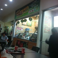 Photo taken at Subway by Evelin S V. on 5/21/2012
