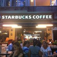 Das Foto wurde bei Starbucks von Urcun C. am 9/5/2012 aufgenommen