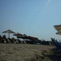 Photo taken at Beach Loca Bar by Γιώτα Μ. on 8/24/2012