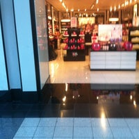 Photo taken at Victoria's Secret PINK by Ray C. on 7/28/2012