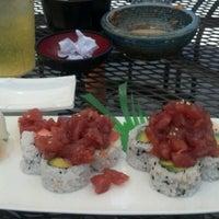 Photo prise au Domo Sushi par Kevin M. le6/15/2012