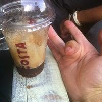 Foto tirada no(a) Costa Coffee Metropolitan por Stelio S. em 8/2/2012