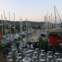 7/26/2012 tarihinde Pinar E.ziyaretçi tarafından Marina Yacht Club'de çekilen fotoğraf
