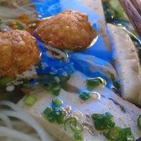 Photo taken at Bún Mọc Thanh Mai by Guru L. on 4/13/2012