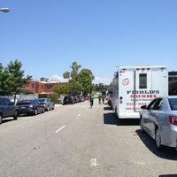 Photo taken at Nom Nom Truck by Kimmie H. on 8/10/2012