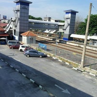 Photo taken at KTM Line - Serdang Station (KB05) by Ivan Ayman U. on 6/5/2012