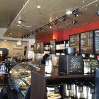 Foto tomada en Starbucks por Rui T. el 2/19/2012