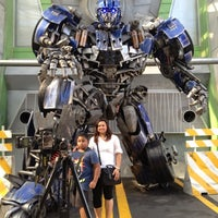 Foto tirada no(a) Transformers The Ride: The Ultimate 3D Battle por Norhasikin A. em 6/13/2012