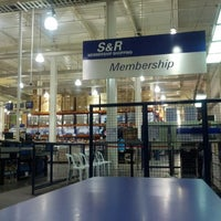 Photo taken at S&R Membership Shopping by Jay D. on 8/30/2012