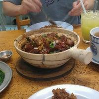 Photo taken at Huen Kee Claypot Chicken Rice by Tasha H. on 7/24/2012