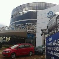 Foto tirada no(a) Saga (Volkswagen) por Lucas M. em 3/13/2012
