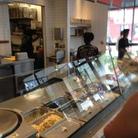 Photo taken at Chipotle Mexican Grill by John L. on 8/15/2012
