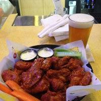 Foto diambil di Buffalo Wild Wings oleh Brian G. pada 3/22/2012
