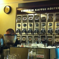 Photo prise au Einstein Kaffee par Louise H. le4/13/2012