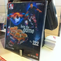 Photo taken at Pizza Hut by Fatima R. on 7/5/2012