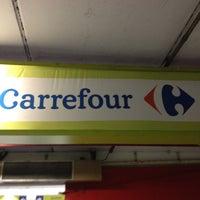 Foto tirada no(a) Carrefour por Ana Paula P. em 5/27/2012