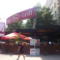 7/23/2012 tarihinde Eric F.ziyaretçi tarafından Happy Bar & Grill'de çekilen fotoğraf