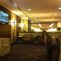 Das Foto wurde bei Singapore Airlines SilverKris Lounge von Norikazu I. am 5/12/2012 aufgenommen