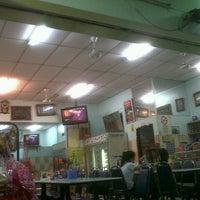 Photo taken at Restoran Beriyani Maju Jaya by WanChey S. on 7/8/2012