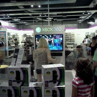 Photo taken at Fnac by Michell R. on 3/24/2012