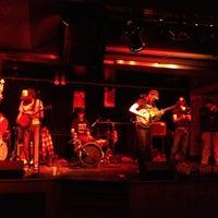 Photo prise au Cobra Lounge par Jody R. le4/24/2012