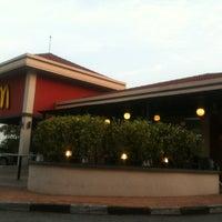 Photo taken at McDonald's & McCafé by ninxera I. on 3/29/2012