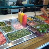 Das Foto wurde bei Burrito Boyz von kris y. am 3/26/2012 aufgenommen