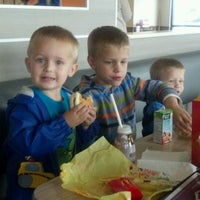 Photo taken at McDonald's by Sharon Hodge S. on 4/6/2012