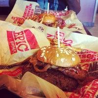 Photo taken at Epic Burger by Mia L. on 7/5/2012