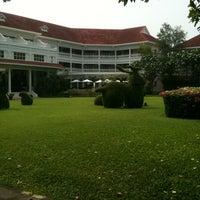 Photo taken at Centara Grand Beach Resort & Villas Hua Hin by GTL on 4/2/2012