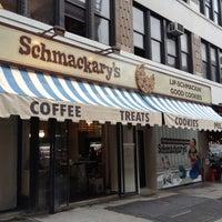 Foto tomada en Schmackary's por Ronald H. el 5/16/2012