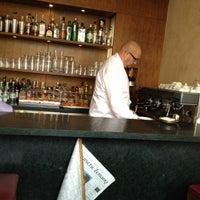 Das Foto wurde bei Schumann's Bar von Jochen W. am 4/10/2012 aufgenommen