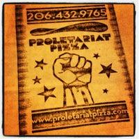 Das Foto wurde bei Proletariat Pizza von Matthew W. am 4/14/2012 aufgenommen