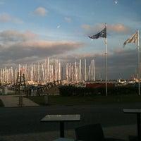 Das Foto wurde bei Yachthafen Grömitz von Ulrike K. am 6/26/2012 aufgenommen