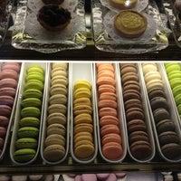 Foto tomada en Cafe M por Xian X. el 5/30/2012