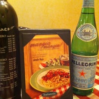 Photo taken at Italianni's Pasta, Pizza & Vino by Liliana P. on 7/18/2012
