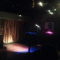Foto tomada en Apache Cafe por Sean J. el 3/14/2012
