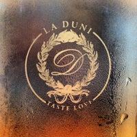 Foto tomada en La Duni Latin Kitchen & Baking Studio por Steven R. el 8/3/2012