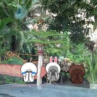 Photo taken at ม่านเมือง อาหารเหนือ by Panu L. on 6/5/2012