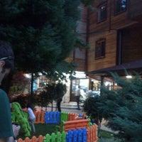 Das Foto wurde bei Yazıcılar Otel & Restaurant von Sinem A. am 7/27/2012 aufgenommen