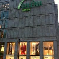 Das Foto wurde bei Galeria Kaufhof von Ahmad am 7/7/2012 aufgenommen