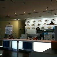 Photo taken at H3 Hambúrguer Gourmet by Nilye C. on 6/23/2012