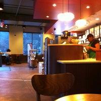 8/15/2012 tarihinde Dmitry S.ziyaretçi tarafından Starbucks'de çekilen fotoğraf